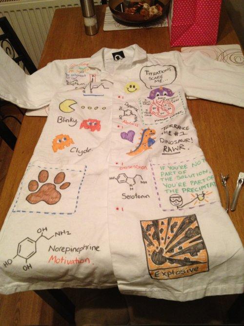 jaleco branco com desenhos divertidos